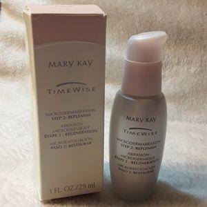 Mary Kay microdermabrasion Step 2: Replenish